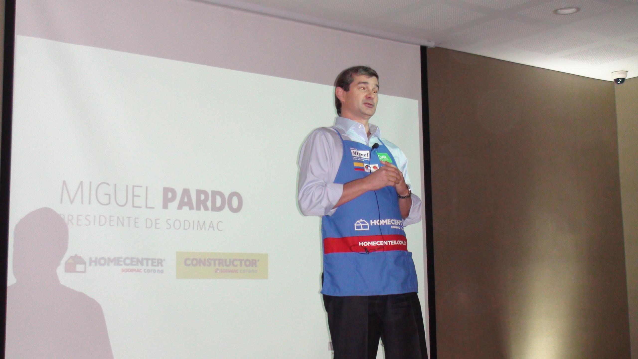 Miguel Pardo, Gerente General de Sodimac Colombia, da unas palabras explicando la importancia de la Aceleradora dentro de Sodimac Colombia