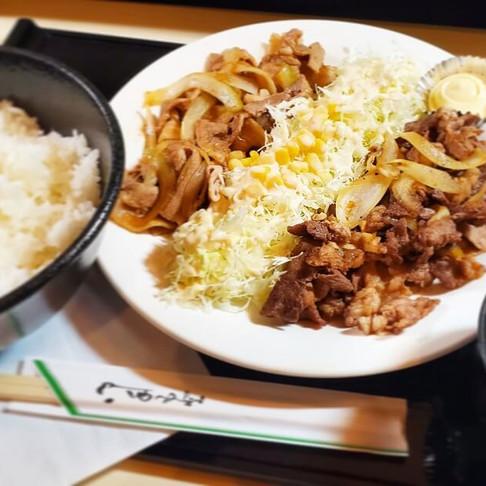 インターネットカフェ「コローレ」の絶品フードメニュー!~メガ定食~
