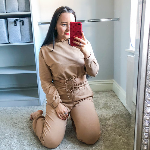 ANNELIESE Cropped Hoodie & Jogger Lounge Set - Camel