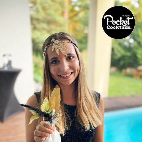 Poolpartys organisieren mit Freunden feiern die besten Cocktails liefern lassen