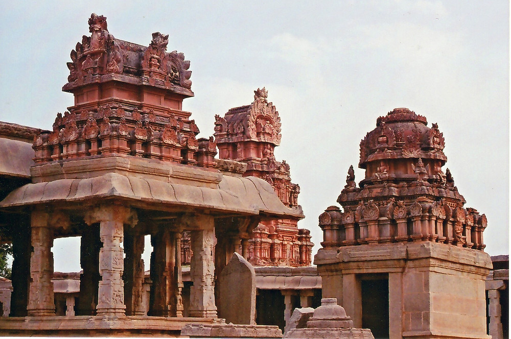 Places to visit in Hampi | Historical Monuments in Karnataka