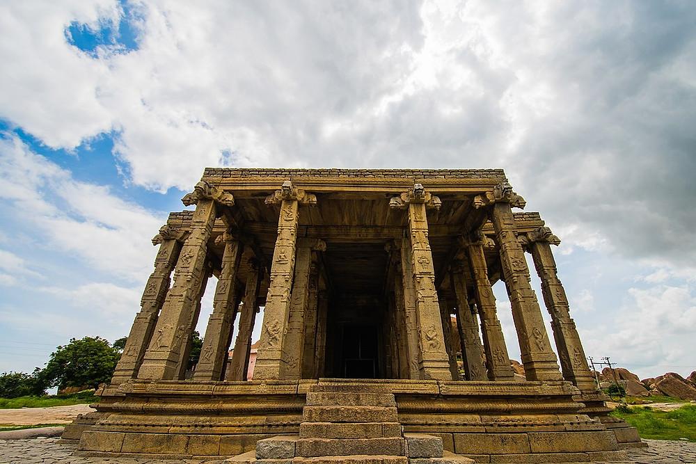 Kadalekalu Ganesha Temple | Tourist places in Hampi