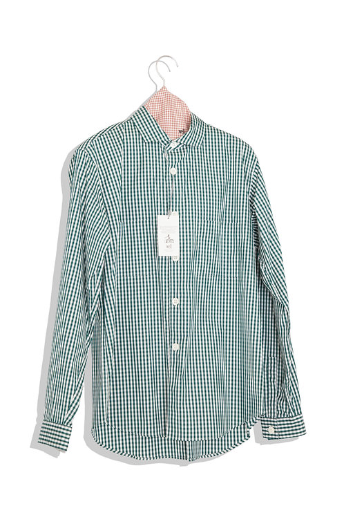 well; Horizontal collar shirts (gingham check)