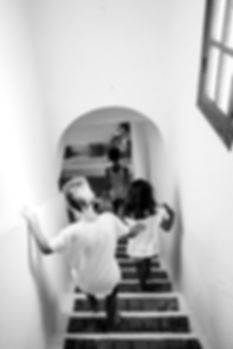 Kids in the stairs © Sabri Benalycherif