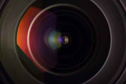 front-glass-of-wide-angle-lens-PXQ7K5B.j