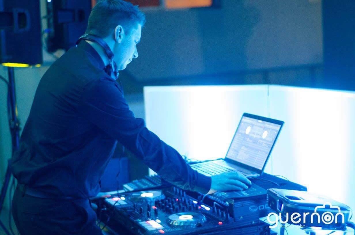 DJ Master D, animateur de fête