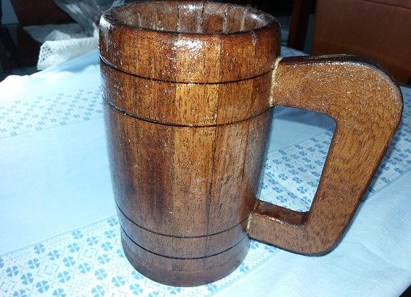 Caneca em madeira de cedro impermealizada para cerveja e vinho
