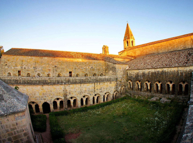 Abbaye du Thoronet exterieur