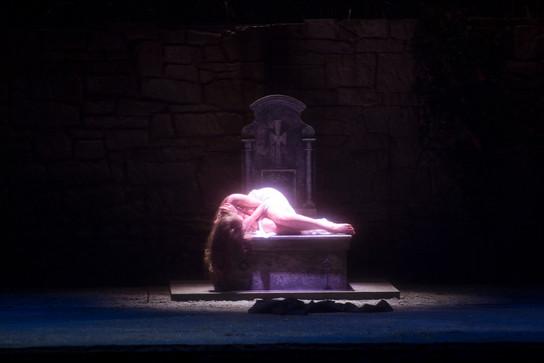 Tanja Kuhn als Sancta Susanna