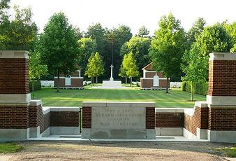 bergen_op_zoom_canadian_war_cemetery.jpg