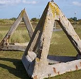 obstacle-tetrahedrons-at-juno-beach-cent