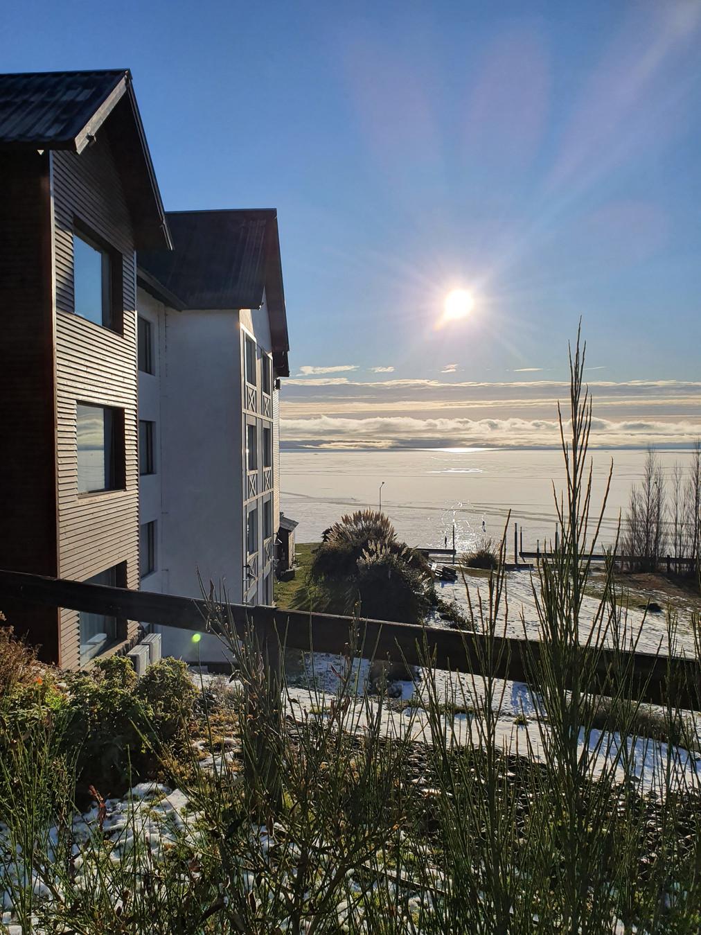 Nuestra Vista al lago Argentino. Hermosa tarde de invierno.