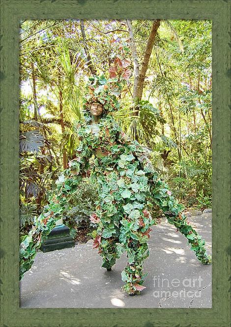 Camouflaged Tree Street Performer-