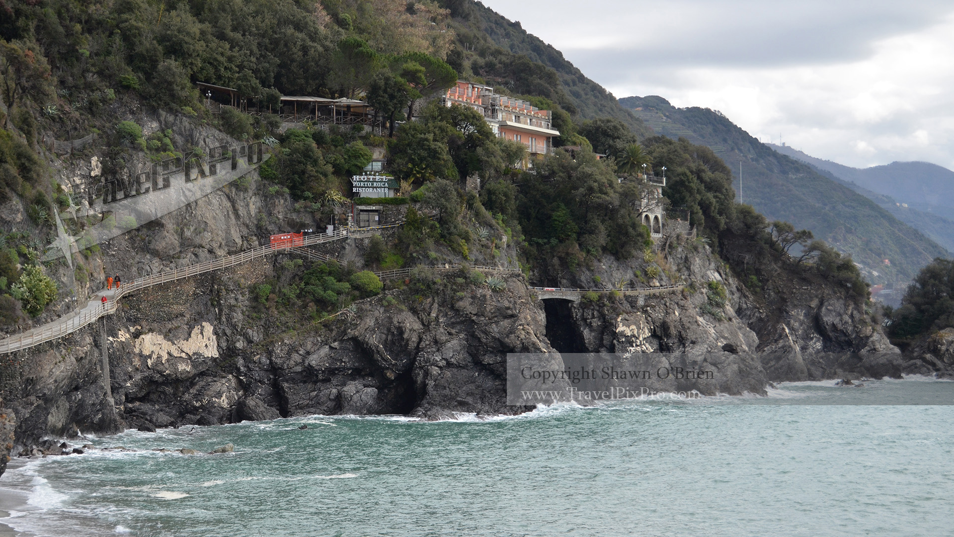 Monterosso Cliff Trail View