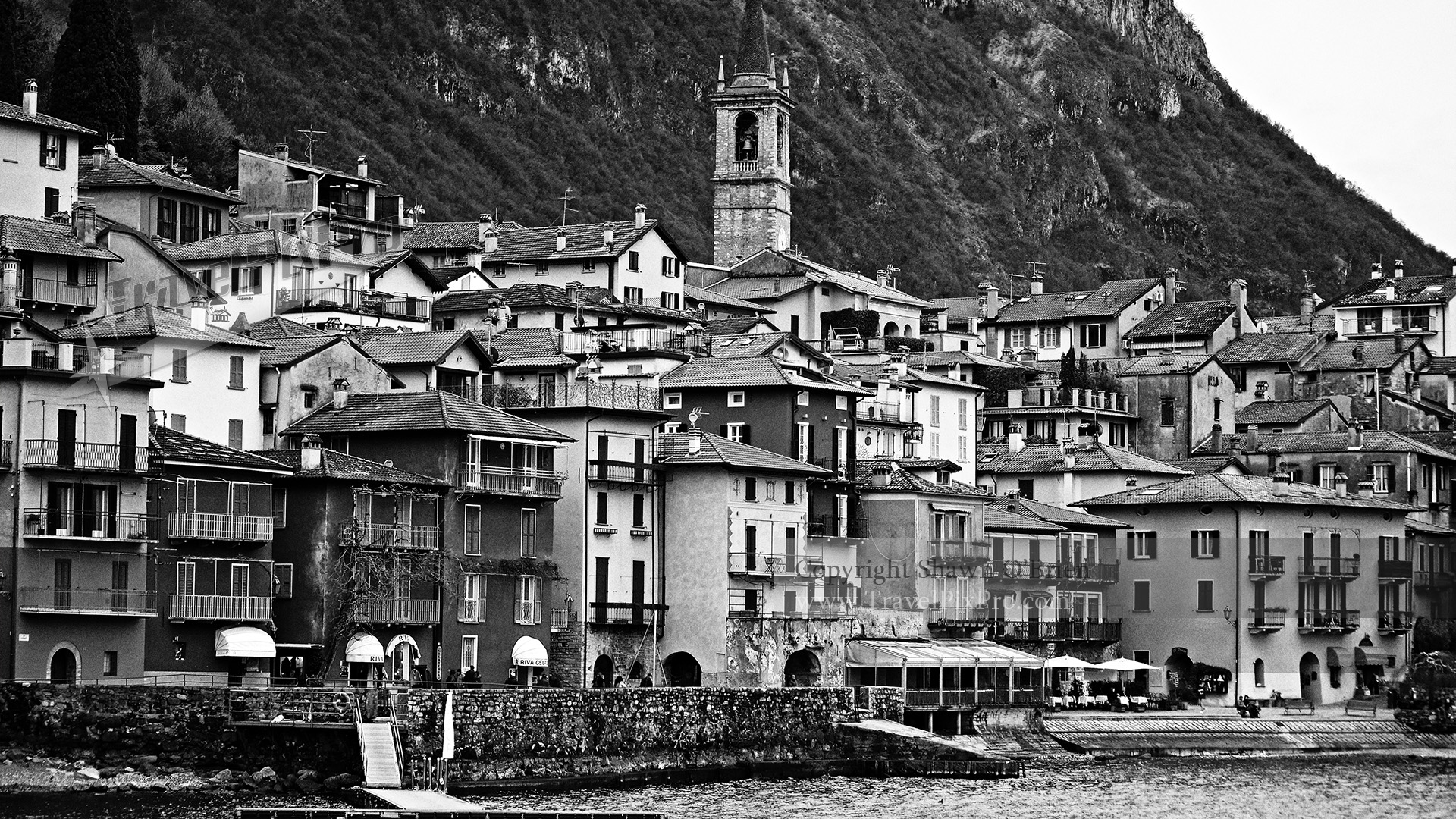 Lake Como Seaside Town