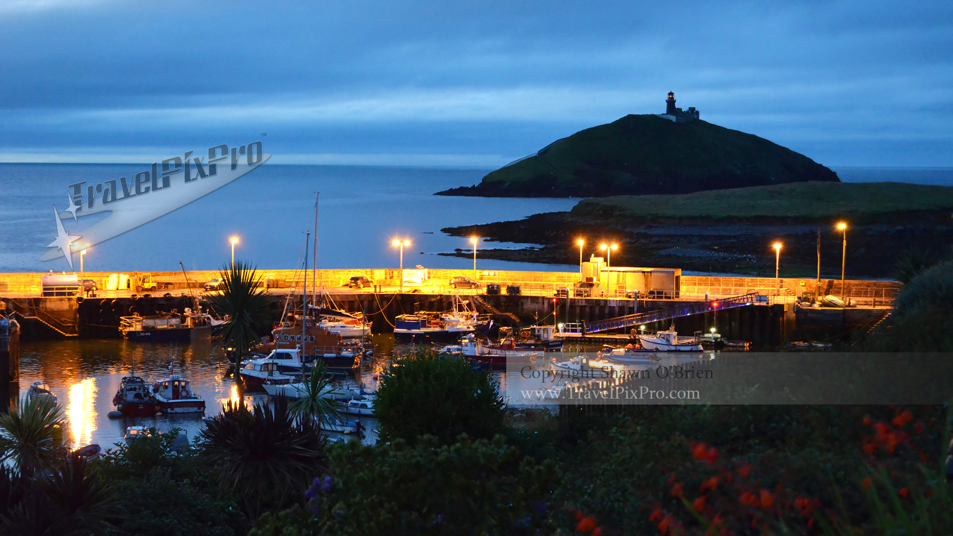 Ballycotton Harbour & Lighthouse IRE