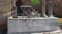 Ostia Fountain Fontana con Lucerna