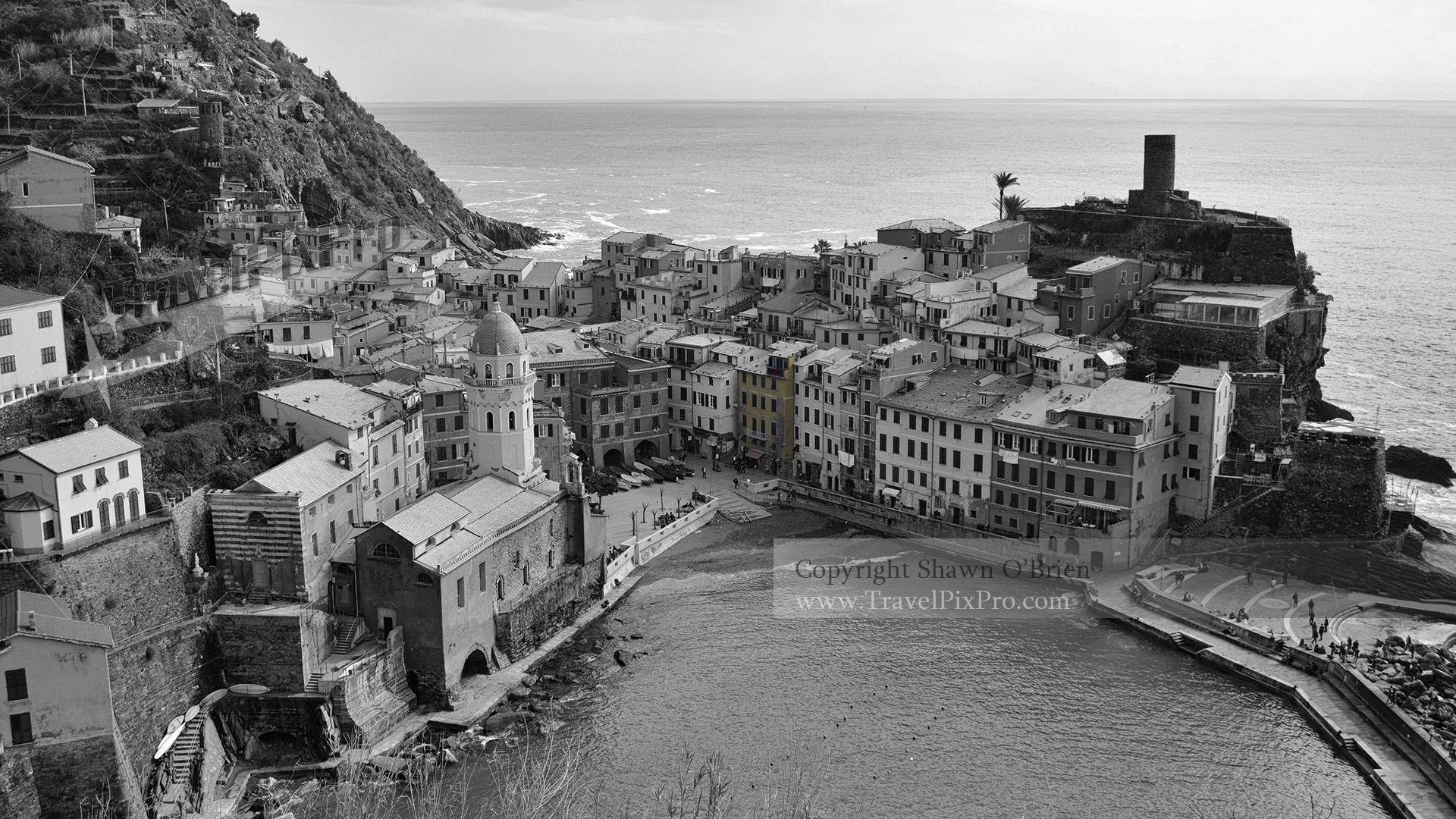 Vernazza Town & Harbor Cinque Terre