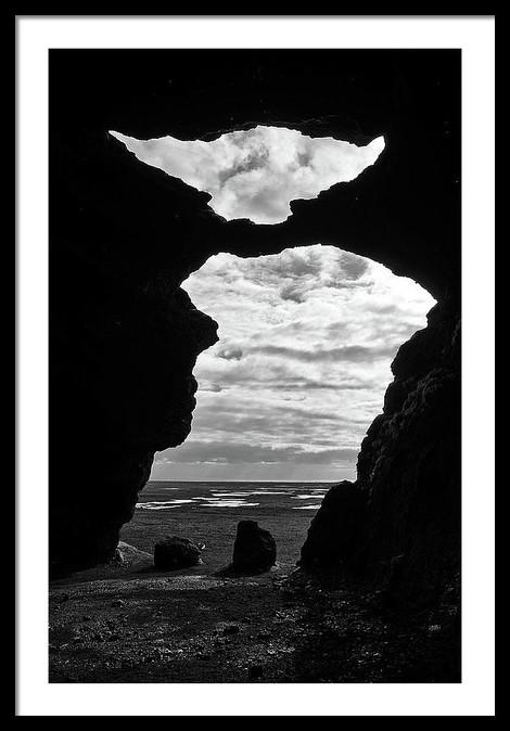 hjorleifshofdi-yoda-cave-silhouette-in-s