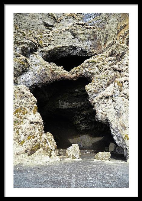 unique-hjorleifshofdi-yoda-cave-entrance