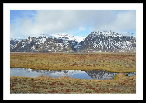 1-mountains-reflected-in-calm-stream-sou