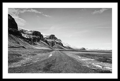 empty-gravel-f-road-heading-into-iceland