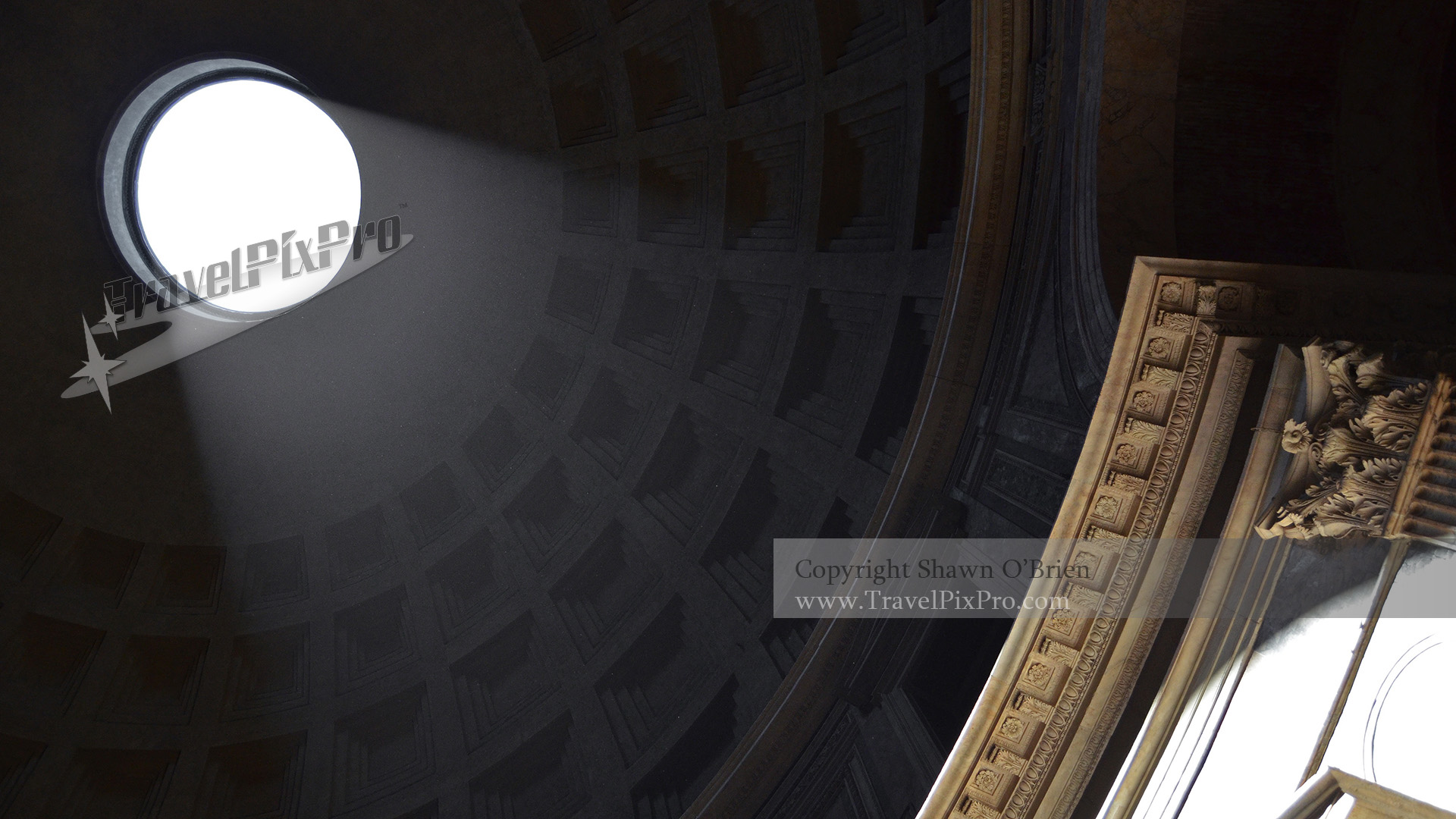 Rome's Pantheon Open Air Oculus