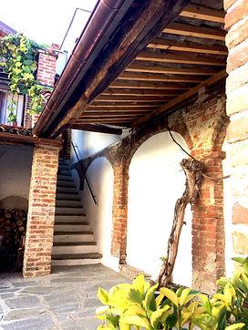 B&B Villa Maddalena Bra Archi e scale.jp