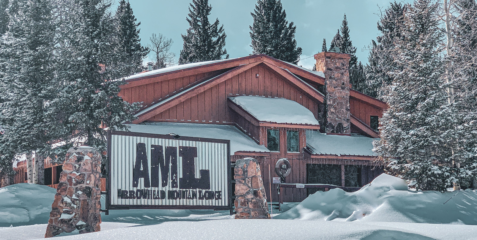 Rustic Arrowhead Mountain Lodge