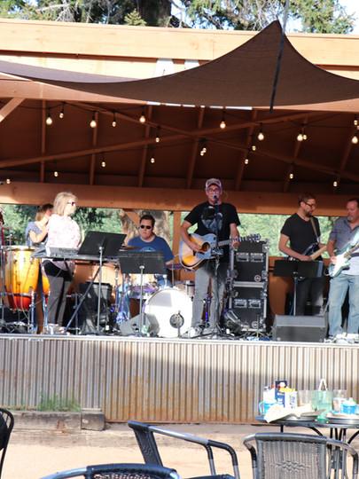 Live Music at Arrowhead Mountain Lodge