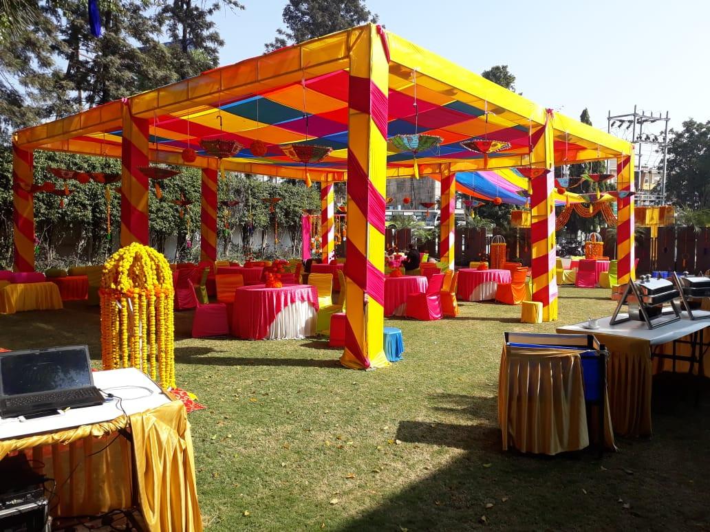 Lawn wedding decor