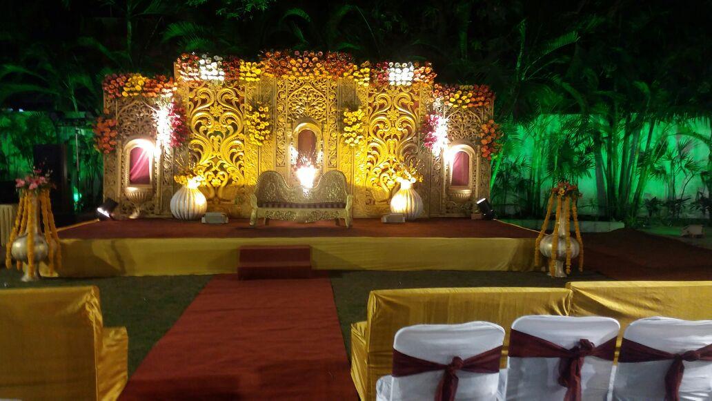 Outdoor wedding recption
