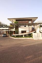pic facade 3.JPG