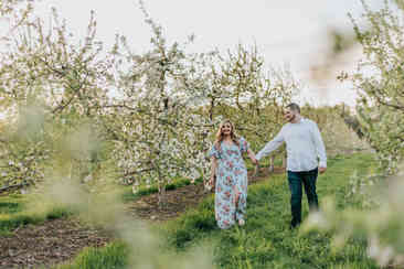 Caroleanne Marie Photography_Couple and Engagement Photography Portfolio_40.jpg