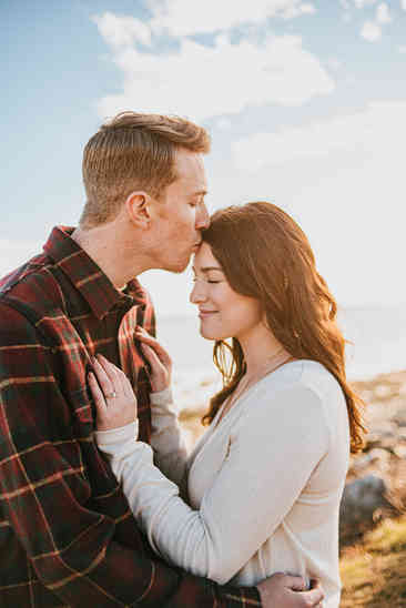 Caroleanne Marie Photography_Couple and Engagement Photography Portfolio_5.jpg