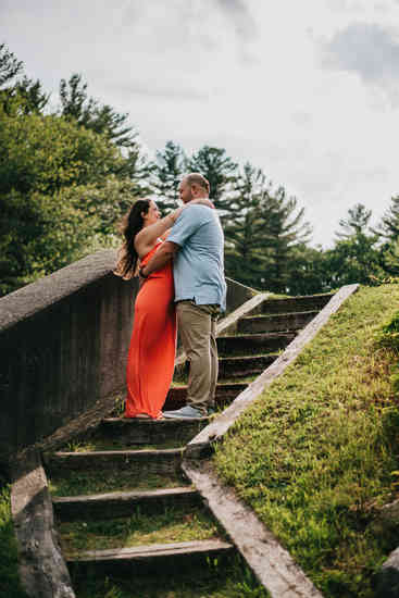 Caroleanne Marie Photography_Couple and Engagement Photography Portfolio_37.jpg