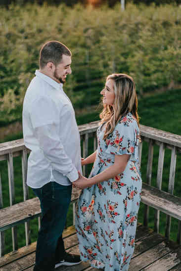 Caroleanne Marie Photography_Couple and Engagement Photography Portfolio_29.jpg