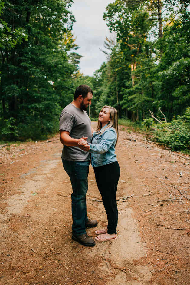Caroleanne Marie Photography_Couple and Engagement Photography Portfolio_27.jpg