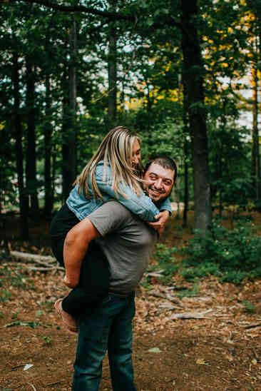 Caroleanne Marie Photography_Couple and Engagement Photography Portfolio_43.jpg
