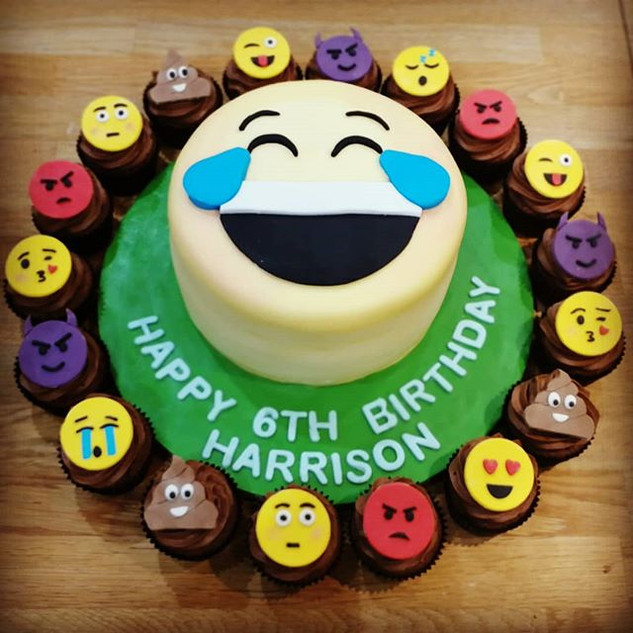 EMOJI Cake!!! Complete with a set of emo