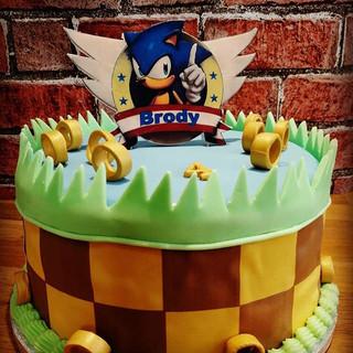 #sonic #birthdaycake #boozybakers.jpg