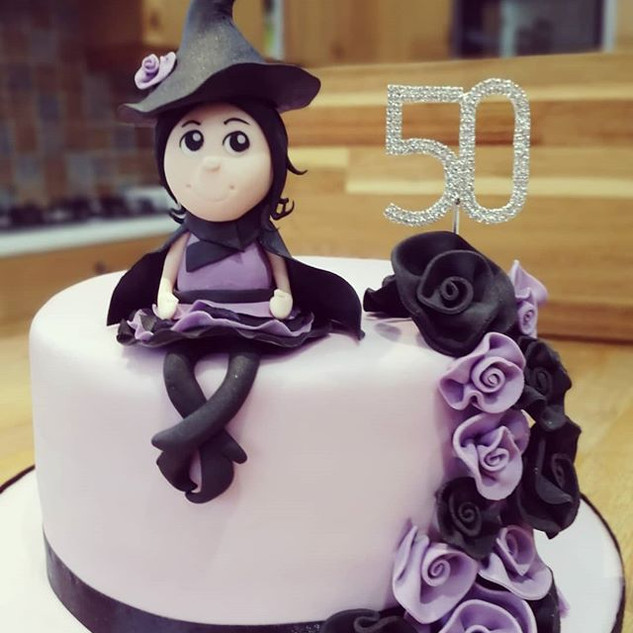 Absolutely LOVED making this witch cake!