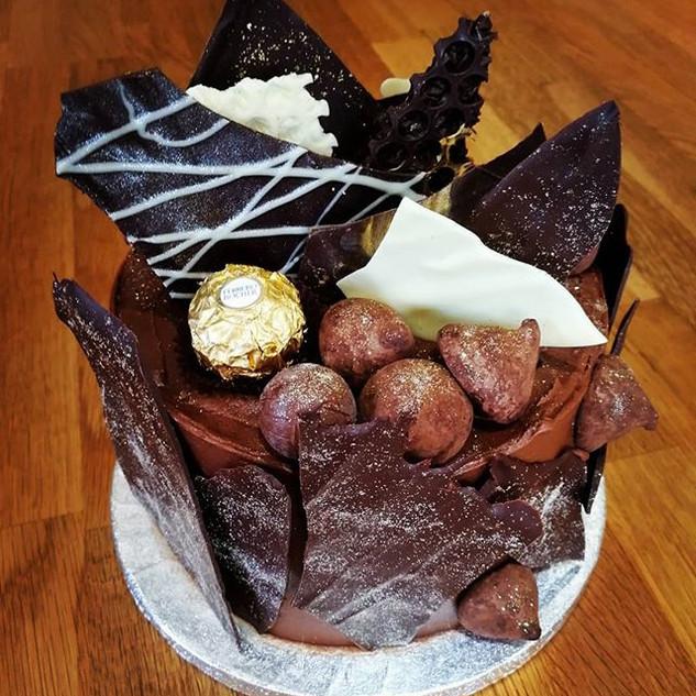 Chocolate Explosion cake!!! A  beautiful