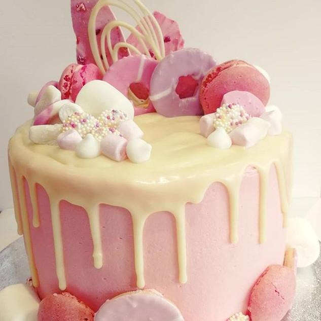 Pretty in Pink Drip Cake! #dripcake #pin