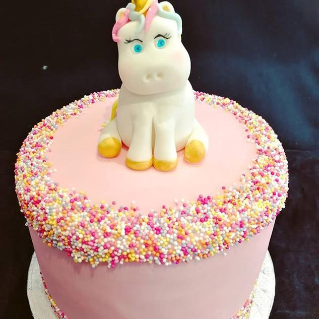 Who doesn't love a unicorn! #ibelieveinu