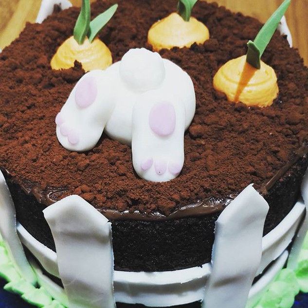 Naughty Bunny Easter Cake! #NoButterCrea