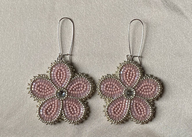 Assinewe_beaded - Assinewe Jewelry (1).J
