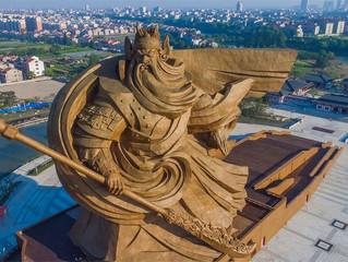 В Китае построили огромную статую легендарному воину!