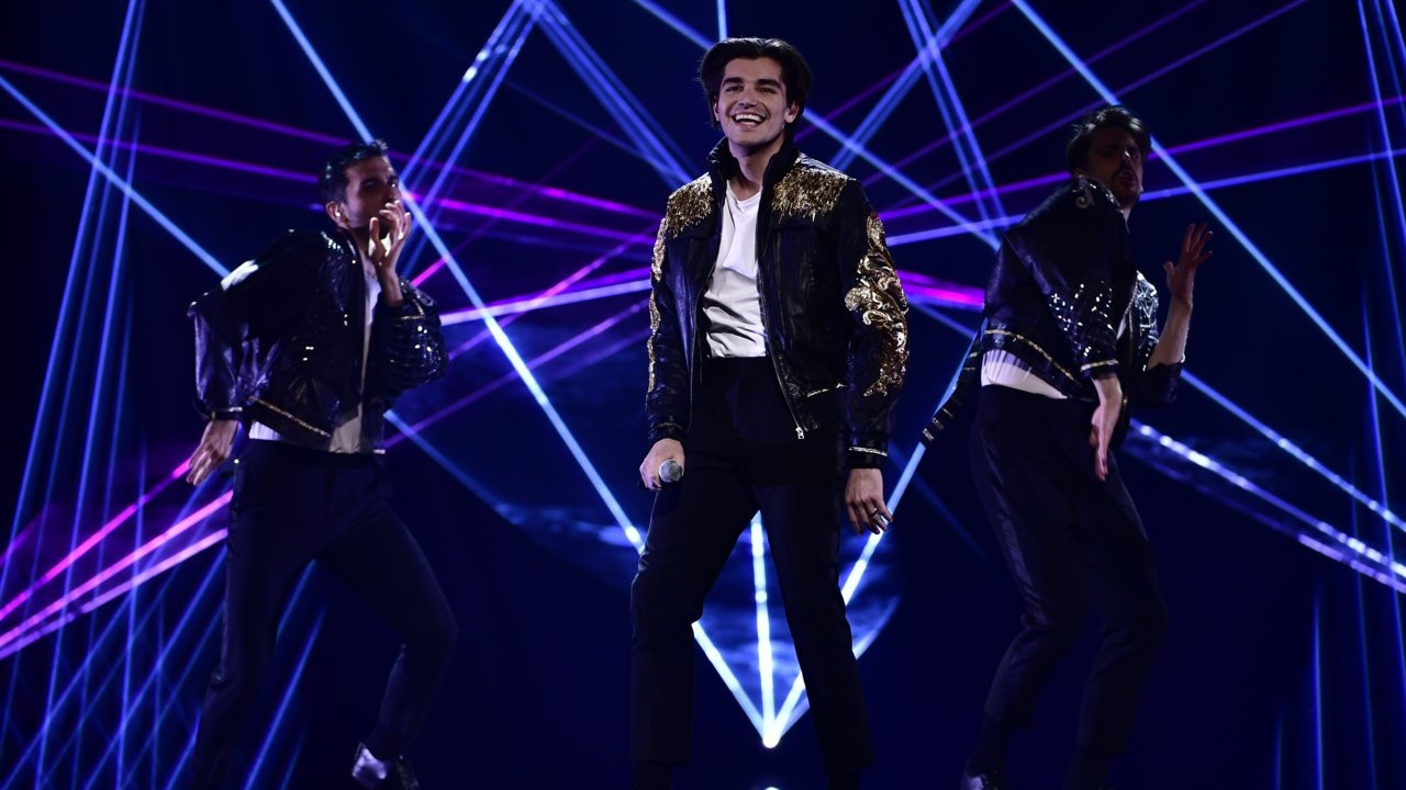 "Former Melodifestivalen artist claims Anton Ewald's mic ""barely on"""