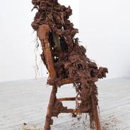 Ffigwr yn eistedd II / Seated figure II